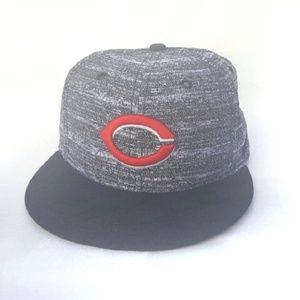 Cincinnati Reds Snapback Flat Bill White & Black A